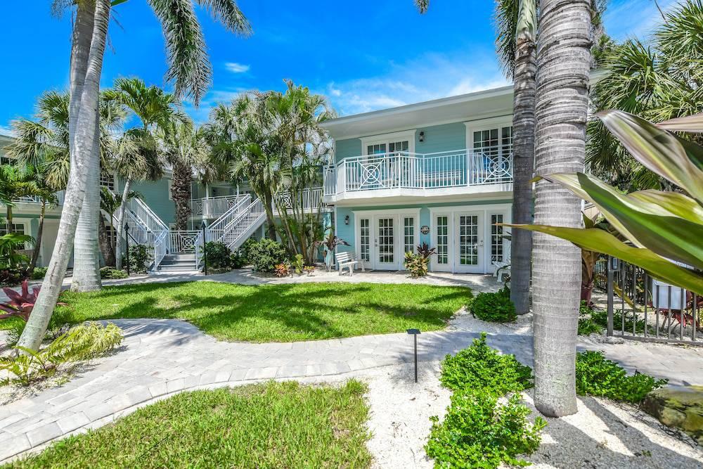 Tropical Breeze Resort on Siesta Key