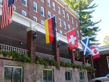 The Pines Inn - Lake Placid
