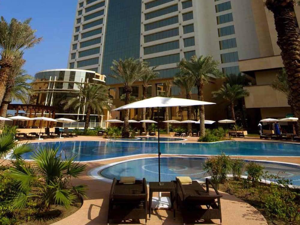 The Diplomat Radisson Blu Hotel Residence & Spa, Manama